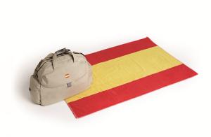 Toalla + bolsa de viaje de España